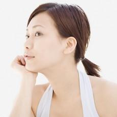 耳垢が臭いの原因?耳の臭いに対処するための4ステップ