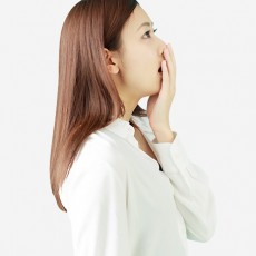 唾液はなぜ臭い?ツバの悪臭を消すための4つの原因&対策