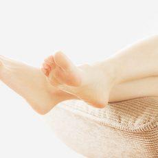 足の裏に汗をかく原因は?ニオイや発汗を抑える対処法